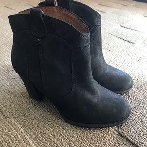 Indigo by Clark's Black Booties | Size 4